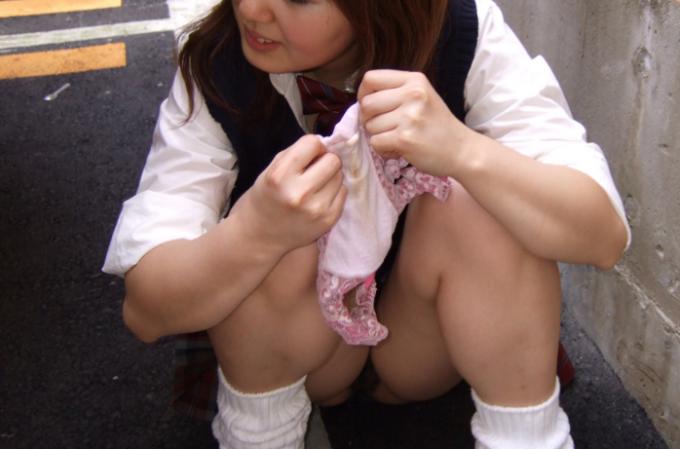 PCMAXの使用済み未洗濯下着の生脱ぎ手渡しは18才未満はダメ!