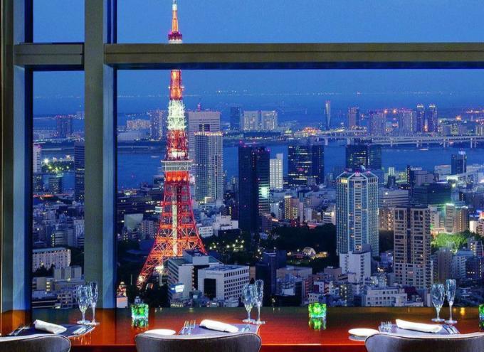 1、夜景が見える高層ビルのレストランBARでの告白